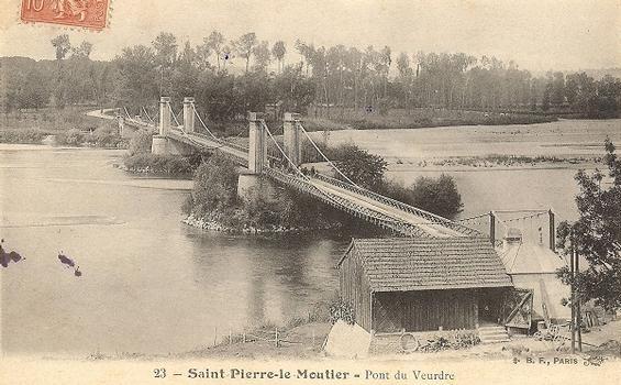 Pont suspendu de Saint-Pierre-le-Moutier