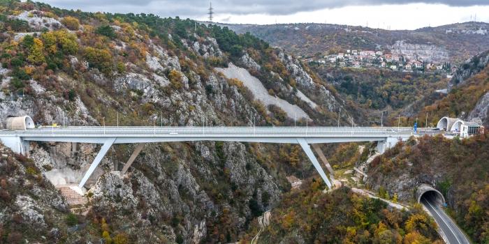 Pont sur les gorges de la Rjecina