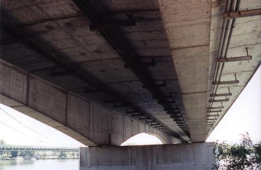 Viaduc de l'A9 à Roquemaure