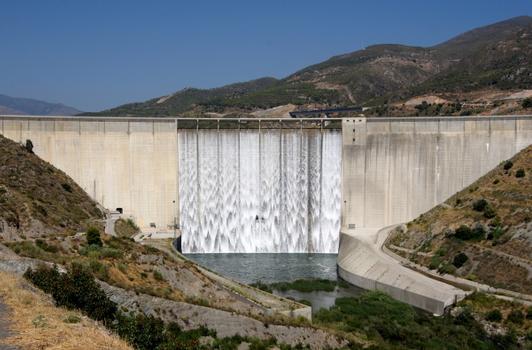 Le barrage de Rules, sur le Guadalfeo, Province de Grenade, Espagne