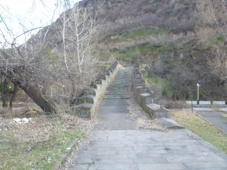 Pont de Sanahin