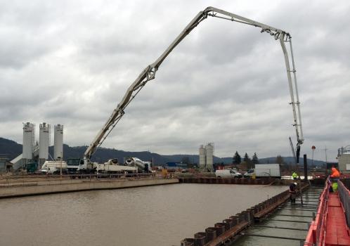 Das Wasserstraßen- und Schifffahrtsamt Trier lässt die Schleuse Trier erweitern. 2018 soll die zusätzliche Schleusenkammer in Betrieb gehen.