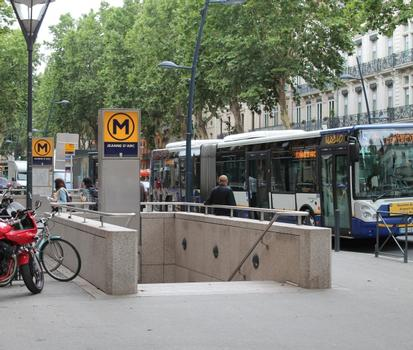 Metrobahnhof Jeanne-d'Arc