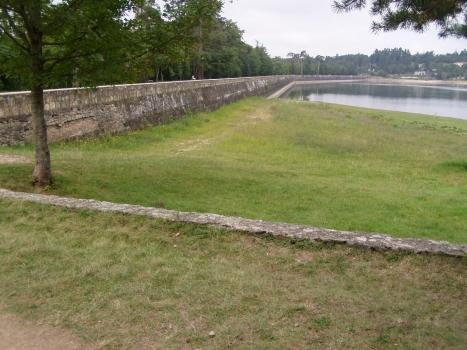 Saint-Férréol-Staudamm - Südseite