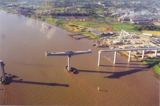 Jules-Wijdenbosch-Brücke