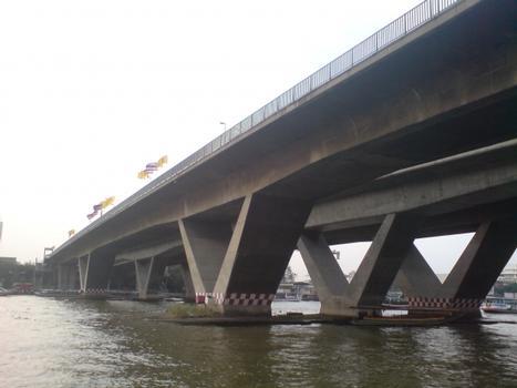 Taksin-Brücke