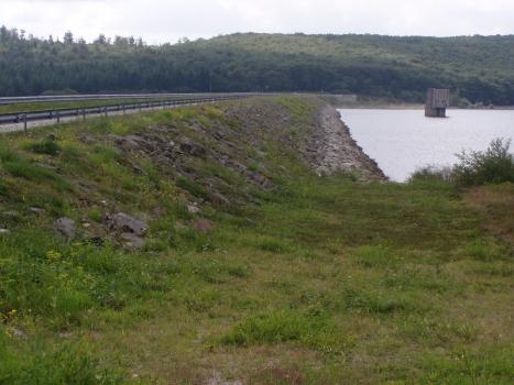 Barrage de Laprade