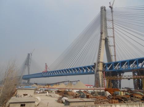 Eisenbahn- und Straßenbrücke Tongling