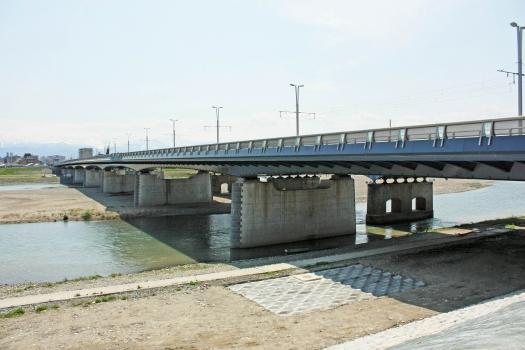 Toyama-Brücke