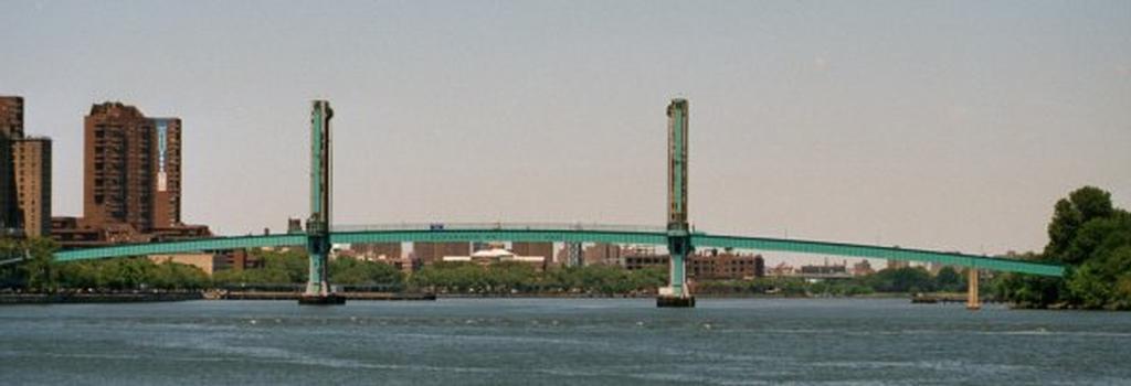 Wards Island Vertical Lift Bridge, New York City.