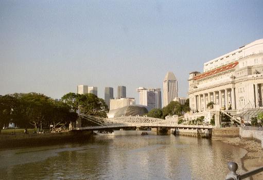 Cavenagh Bridge, Singapur.