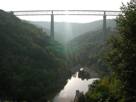 Viaduc des FadesVue depuis le barrage de Besserve