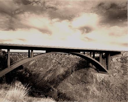 Crooked River Bridge (2000).  Courtesy of Oregon Department of Transportation.