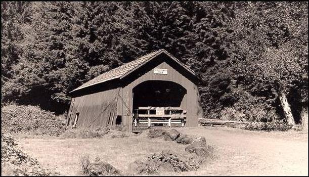 Drift Creek Bridge, Lincoln City, Oregon.  Avec l'aimable permission de l'Oregon Department of Transportation