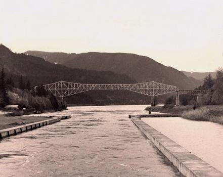 Bridge of the Gods. Courtesy of Oregon Department of Transportation