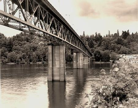 Sellwood Bridge, Portland, Oregon