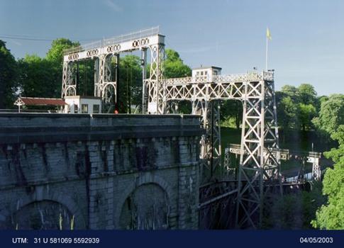 Canal du Centre: Lock No. 2
