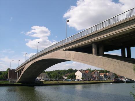 Strassenbrücke Conflans-Saint-Honorine