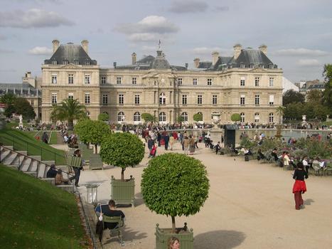 Palais du Luxembourg - 6eme Arrondissement - ParisVue du Jardin du Luxembourg : Palais du Luxembourg - 6eme Arrondissement - Paris Vue du Jardin du Luxembourg