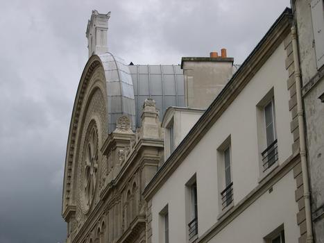 Synagogue, Rue des Tournelles, Paris.