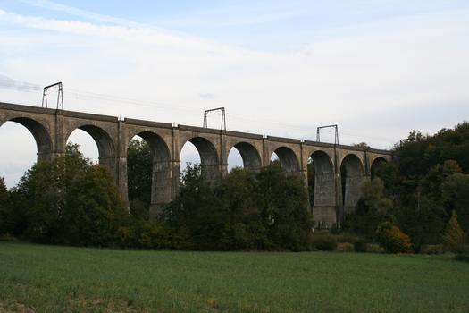 Eisenbahnviadukt Besnault