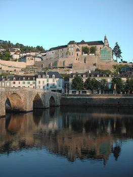 Alte Brücke in Terrasson-la-Villedieu