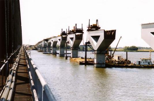 Pont-TGV de Hollandsch Diep