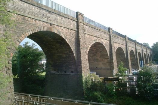 Kanalbrücke des Union Canal über dem Water of Leith