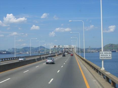 Niterói-Brücke zwischen Rio de Janeiro und Niterói