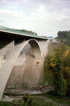 Autobahn A4. Teufelstalbrücke.