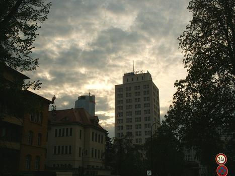 Sonnenaufgang hinter dem Bau36