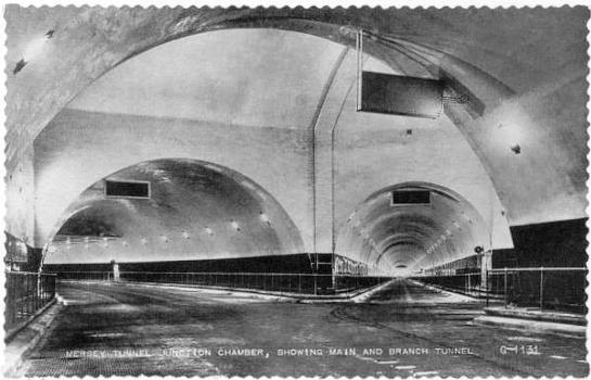 Queensway Tunnel  Source: Carte postale