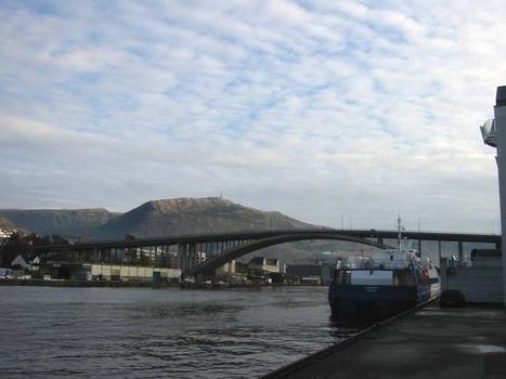 Puddefjordsbroen, Bergen