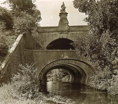 Pont des Belles-Fontaines, Juvisy-sur-Orge. Vue stéréoscopique, vers 1910.