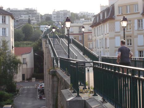 Passerelle de l'Avre, côté Saint-Cloud (Hauts-de-Seine)