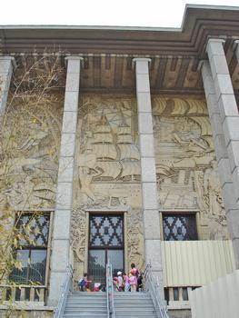 Palais de la Porte Dorée. (ancien Musée des Colonies, 1931)