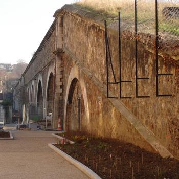 Pont-siphon de l'aqueduc du Loing et du Lunain. Cachan (94)