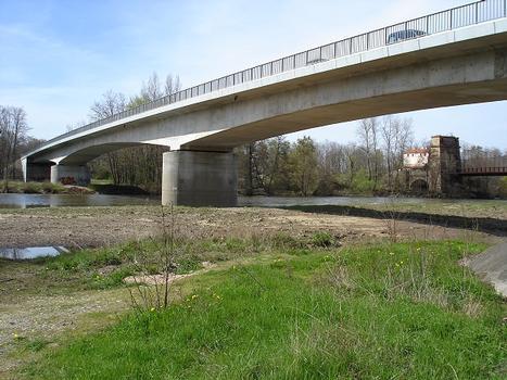 Strassenbrücke Parentignat