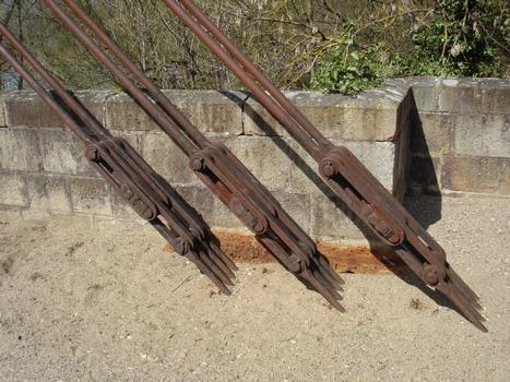 Pont suspendu de Parentignat