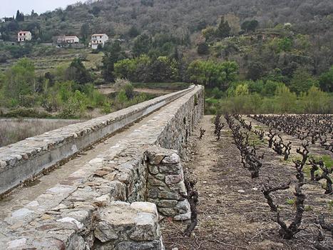 Ansignan Aqueduct Bridge