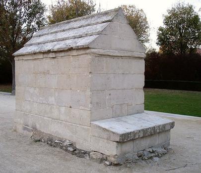 Aqueduc de Médicis. Regard II, à Rungis (94)