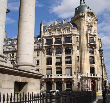 132 rue Réaumur & rue Notre Dame des Victoires, Paris