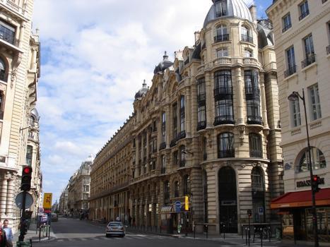 121 rue Réaumur & rue Notre Dame des Victoires, Paris