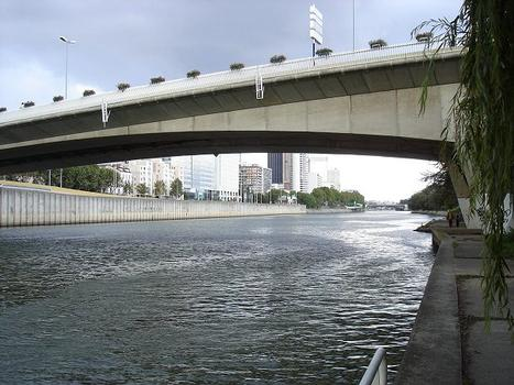 Seinebrücke Puteaux