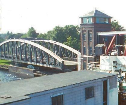 Barton Swing Bridge (Barton Road Bridge).