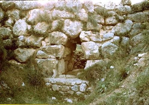 Mycenaean bridge at Kazarma (Argolis).