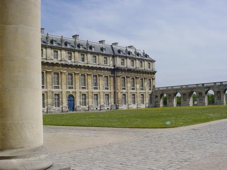 Château de Vincennes. Pavillon de la Reine