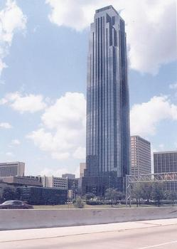 Williams Tower, Houston