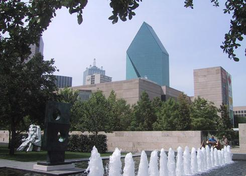 Fountains Place, Dallas