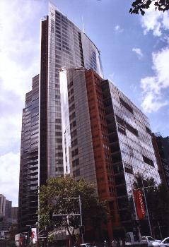 Aurora Place vor Governor Macquarie Tower